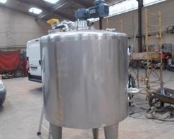 1 Cuve process agitée de 600 litres avec circuit forcé fond + virole