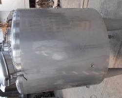 1 Cuve process agitée GOAVEC de 750 litres avec circuit forcé fond + virole N°2