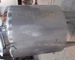 1 Cuve process agitée GOAVEC de 750 litres avec circuit forcé fond + virole N°3