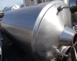 1 Cuve process agitée GUERIN de 4 000 litres avec circuit forcé fond + virole