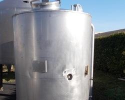 1 Cuve NEP isolée de 2 000 litres