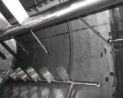 1 Cuve process agitée de 8 000 litres avec circuit forcé fond + virole pour yaourt