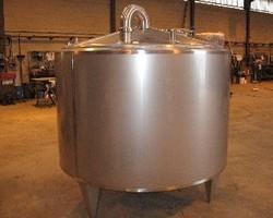 1 Cuve NEP isolée de 2 500 litres