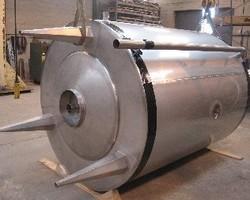 1 Cuve NEP isolée de 5 000 litres avec serpentin de chauffage