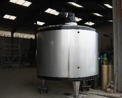 1 Cuve d'hygiénisation agitée de 6 000 litres avec circuit forcé sur la virole
