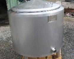 1 Cuve process agitée de 250 litres avec circuit forcé fond + virole