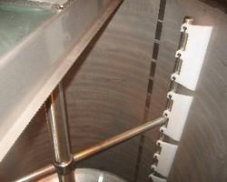 1 Cuve process agitée de 4 000 litres avec circuit forcé fond + virole pour du miel