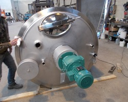 1 Cuve process agitée de 3 500 litres avec circuit forcé pour des ferments