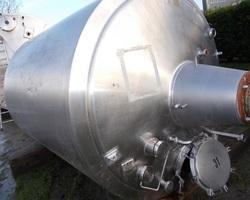 1 Cuve process isolée et agitée avec circuit forcé fond + virole de 5 000 litres