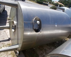 1 Cuve process isolée et agitée avec circuit forcé fond + virole de 3 130 litres