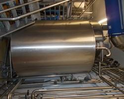 1 Cuve process isolée et agitée avec circuit forcé fond + virole de 2 500 litres
