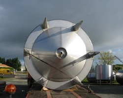 1 Cuve de stockage isolée et agitée de 30 000 litres N°1