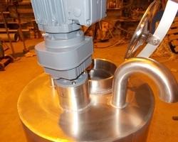 1 Cuve process agitée de 50 litres avec circuit forcé fond + virole