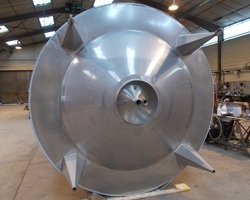 1 Cuve process agitée de 20 000 litres avec circuit forcé