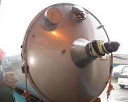1 Cuve process agitée de 30 000 litres avec circuit forcé sur la virole