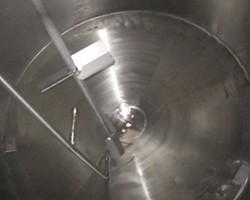 1 Cuve de stockage agitée de 5 000 litres