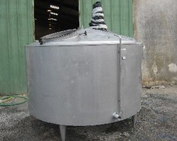 1 Cuve process isolée et agitée avec circuit forcé sur la virole de 4 000 litres N°2