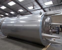 1 Tank de maturation à crème  isolé et agité avec circuit forcé fond + virole de 30 000 litres