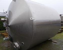 1 Cuve de stockage non isolée et agitée de 16 000 litres