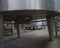 1 Cuve process isolée et agitée GUERIN avec circuit forcé fond + virole de 1 000 litres