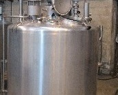 1 Cuve process isolée et agitée avec circuit forcé fond + virole de 1 200 litres