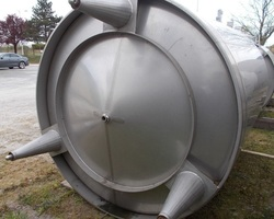 1 Cuve de stockage non isolée de 8 000 litres